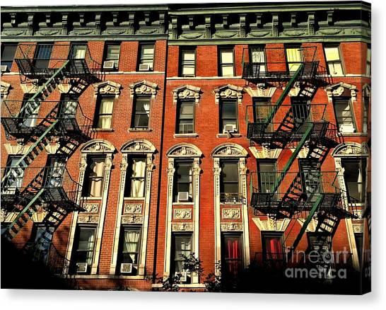 Sun And Shadow - The Rhythm Of New York Canvas Print