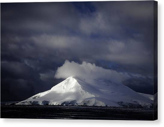 Sun Breakthru- Antarctica Canvas Print