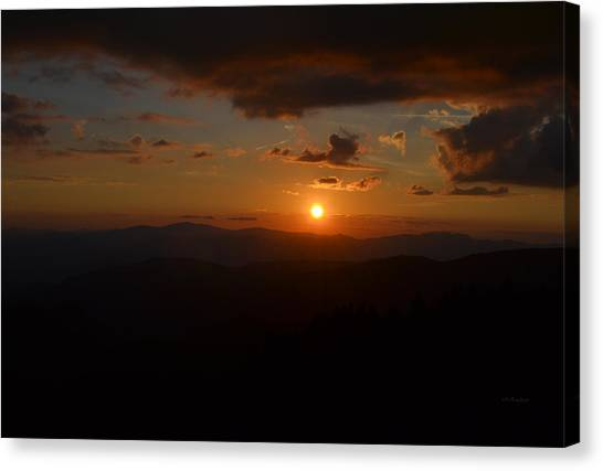 Sun Going Down Over The Great Smoky Mountains Canvas Print