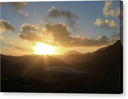Canvas Print - Sun Sinks Over Snowdonia by Jo Jackson