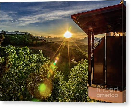Sunburst View From Dellas Boutique Hotel Near Meteora In Kastraki, Kalambaka, Greece Canvas Print