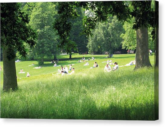 Sunday Afternoon At Waterlow Park Canvas Print