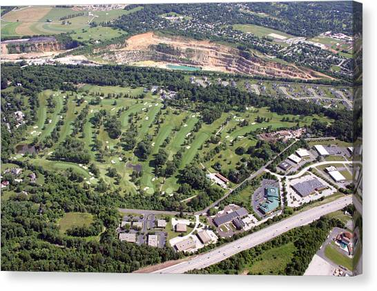 Sunnybrook Golf Club Golf Course Canvas Print by Duncan Pearson