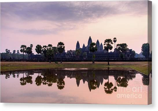 Sunrise At Angkor Wat Canvas Print