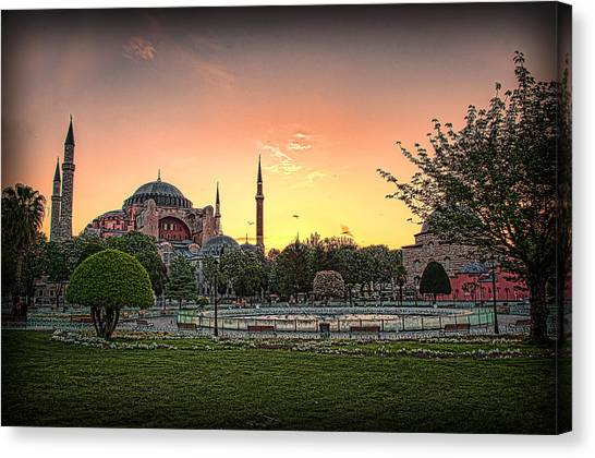 Sunrise At Hagia Sophia Canvas Print