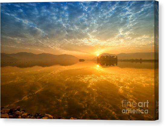 Sunrise At Jal Mahal Canvas Print