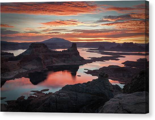 Sunrise At Lake Powell Canvas Print
