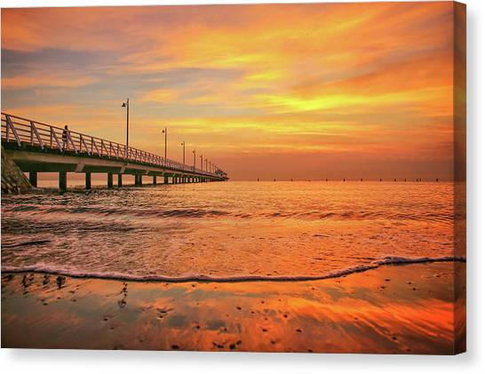 Sunrise Delight On The Beach At Shorncliffe Canvas Print