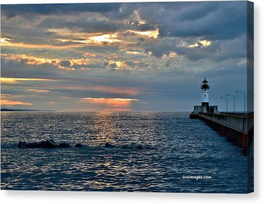 Sunrise In Duluth Canvas Print