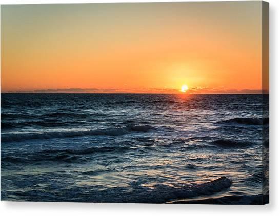 Sunrise In Nags Head Canvas Print