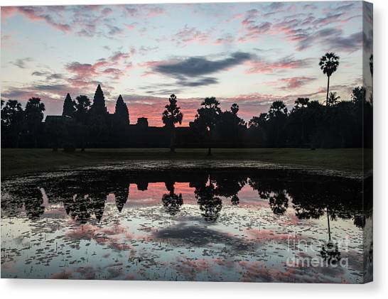 Sunrise Over Angkor Wat Canvas Print