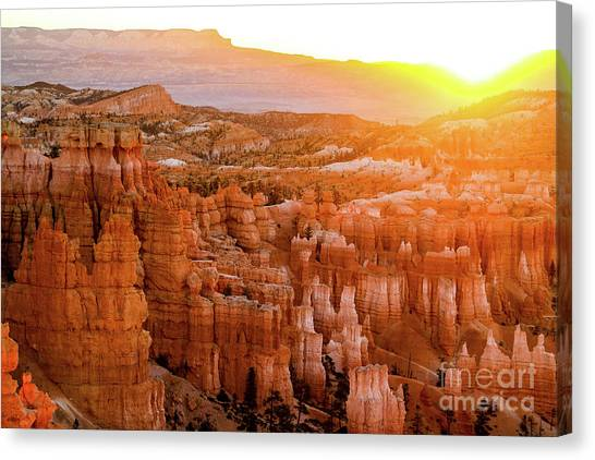 Sunrise Over Bryce Canyon Canvas Print