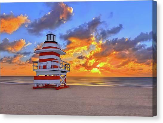 Sunrise Over Lifegaurd Stand On South Miami Beach  Canvas Print