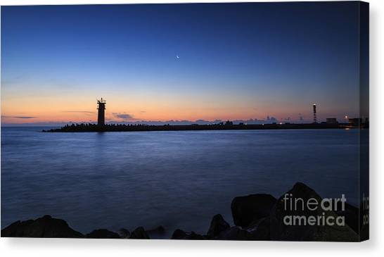 Sunrise Over Lighthouse - Beautiful Seascape Canvas Print