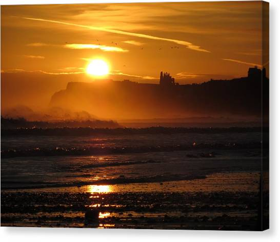 Sunrise Over Sandsend Beach Canvas Print