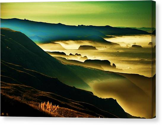 Sunrise Over The Pacific Canvas Print