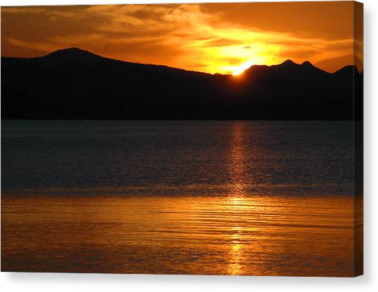 Sunrise Over Yellowstone Lake Canvas Print