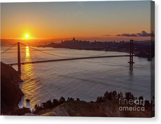 Sunrise Sunlight Hitting The Coastal Rock On The Shore Of The Go Canvas Print