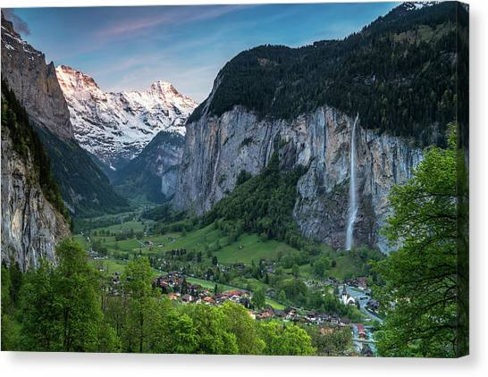 Sunset Above The Lauterbrunnen Valley Canvas Print