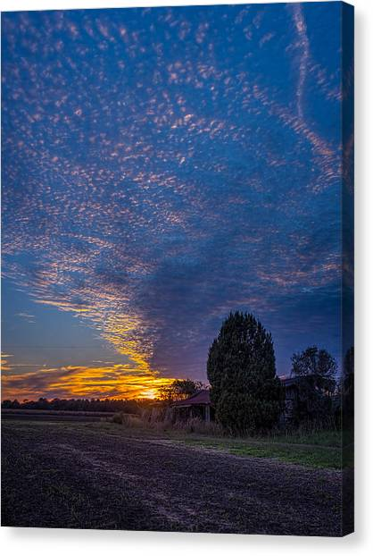 Sunset And Dilapidated Barn Canvas Print