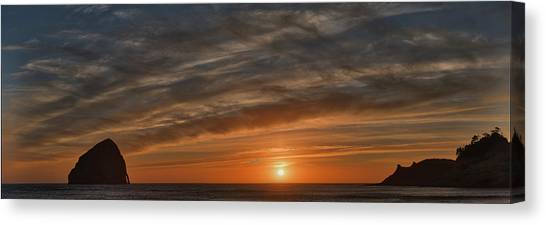 Sunset At Cape Kiwanda Canvas Print