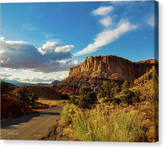 Sunset At Capitol Reef Canvas Print