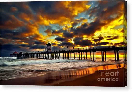 Sunset At Huntington Beach Pier Canvas Print