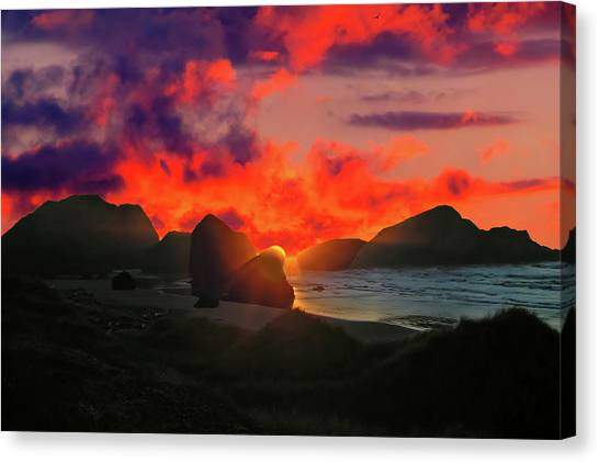 Sunset At Oregon Beach Canvas Print