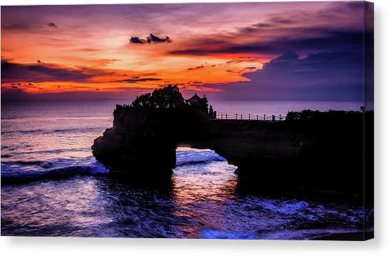 Sunset At Tanah Lot Canvas Print