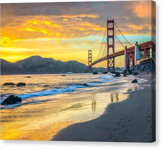 Sunset At The Golden Gate Bridge Canvas Print