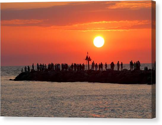 Sunset At The South Jetty, Venice, Florida, Usa Canvas Print