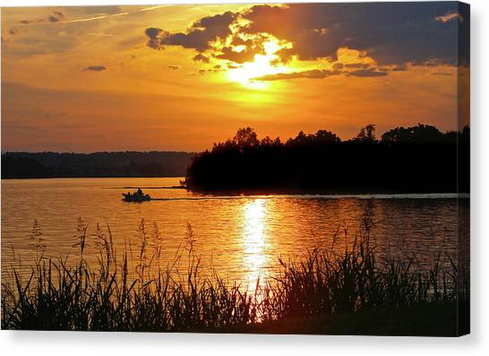 Sunset Boater, Smith Mountain Lake Canvas Print