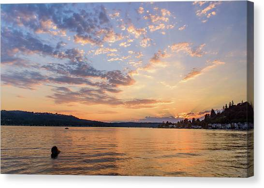 Sunset In Lake Sammamish Canvas Print