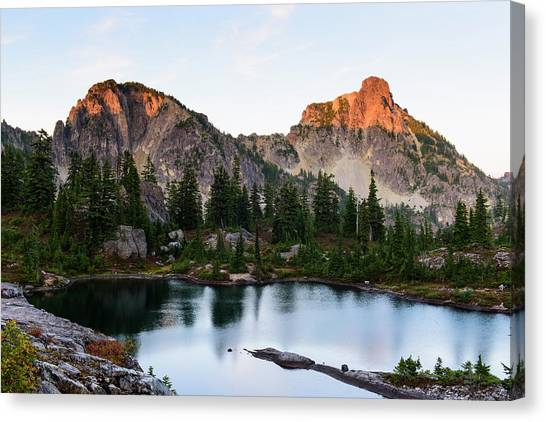 Sunset In Lila Lakes And High Box Mountain Canvas Print