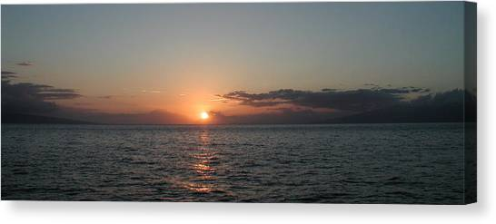 Sunset In Maui Canvas Print by Bj Hodges