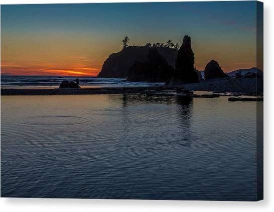 Sunset On The Oregon Coast Canvas Print