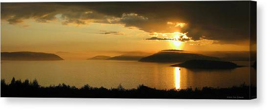 Sunset Over Blondin And Skin Island Canvas Print by Laura Wergin Comeau