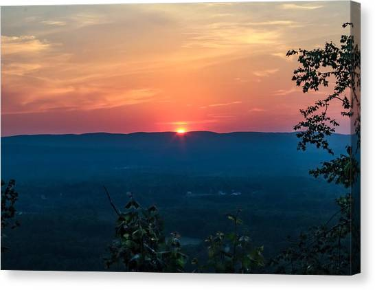 Sunset Over Easthampton Canvas Print