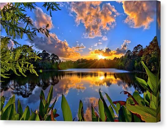 Sunset Over Hidden Lake In Jupiter Florida Canvas Print