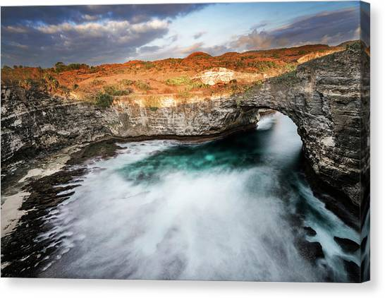 Canvas Print featuring the photograph Sunset Point In Broken Beach by Pradeep Raja Prints