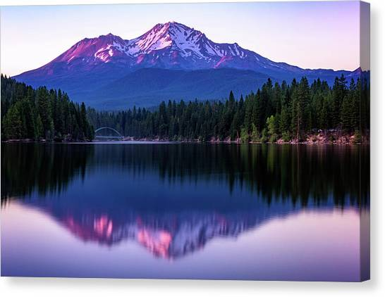 Sunset Reflection On Lake Siskiyou Of Mount Shasta Canvas Print