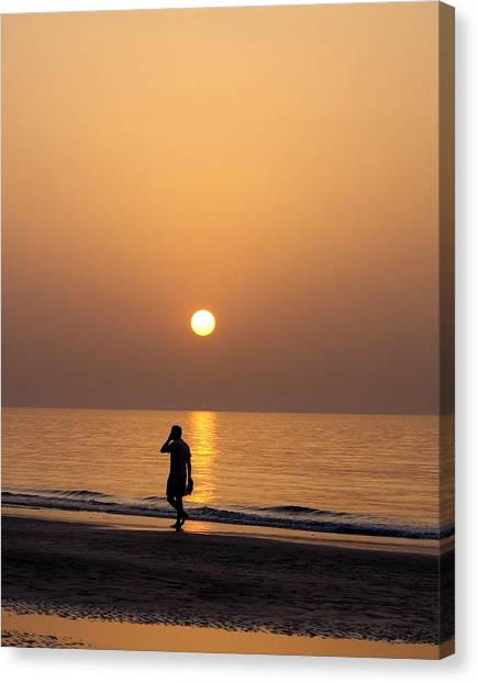 Sunset Reflections Canvas Print by Sunaina Serna Ahluwalia