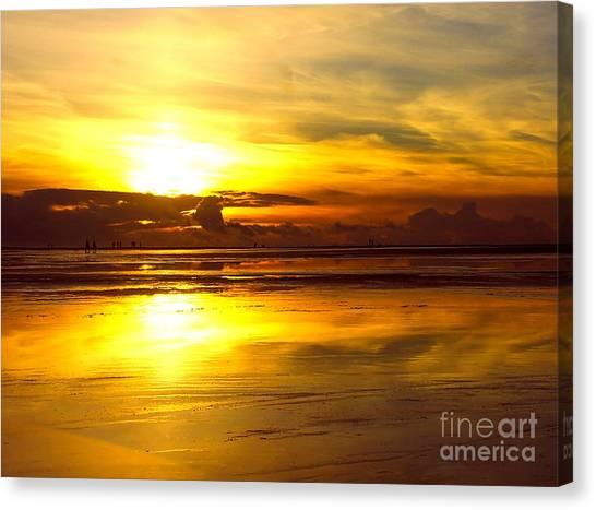 Sunset Roemoe Canvas Print by Sascha Meyer