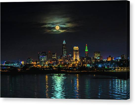 Super Full Moon Over Cleveland Canvas Print