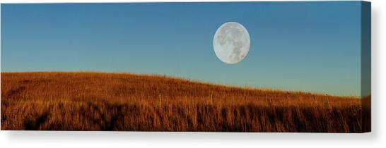 Super Moon Over The Prairie Canvas Print