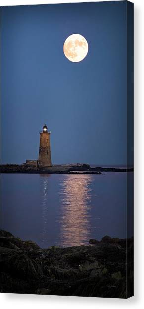 Super Moon Over Whaleback Lighthouse Canvas Print