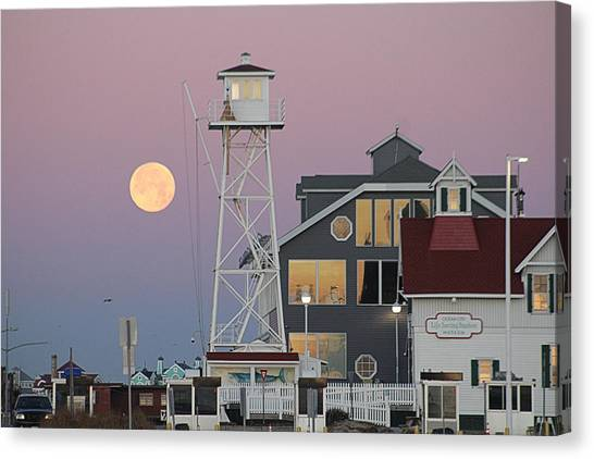 Super Wolf Moon At The Watch Tower Canvas Print