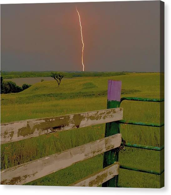 Superbolt At Melvern Lake Canvas Print