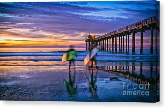 Surfers At Scripps Pier In La Jolla California Canvas Print