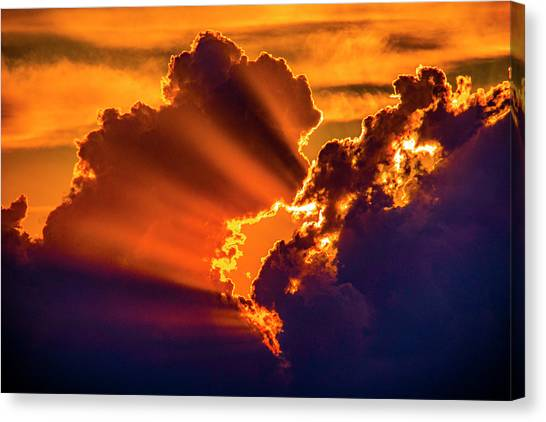 Canvas Print featuring the photograph Sweet Nebraska Crepuscular Rays 010 by NebraskaSC